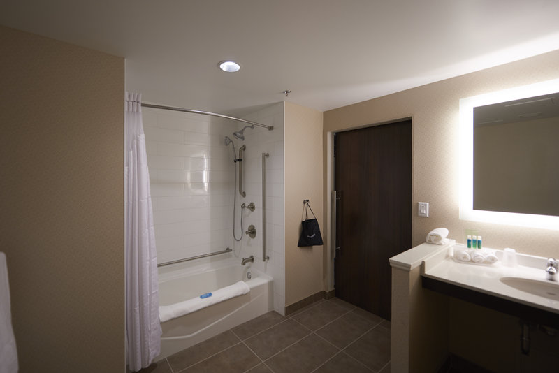 Holiday Inn Express & Suites St John's Airport-Holiday Inn Express & Suites St. John's Airport Accessible Shower<br/>Image from Leonardo