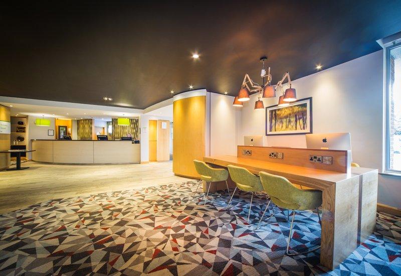Holiday Inn Reading-South M4, Jct.11-Business Center<br/>Image from Leonardo