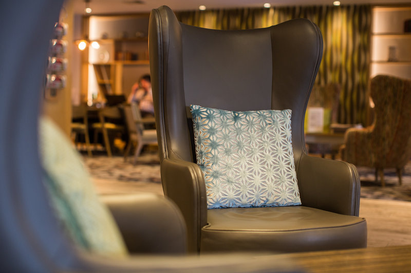 Holiday Inn Reading-South M4, Jct.11-Bar and Lounge<br/>Image from Leonardo