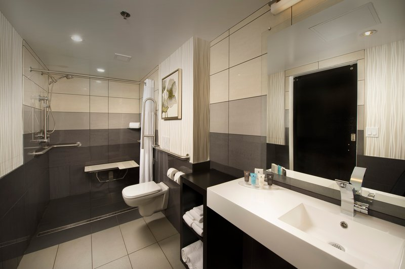 Crowne Plaza Seattle Airport-Guest Bathroom Studio Suite<br/>Image from Leonardo