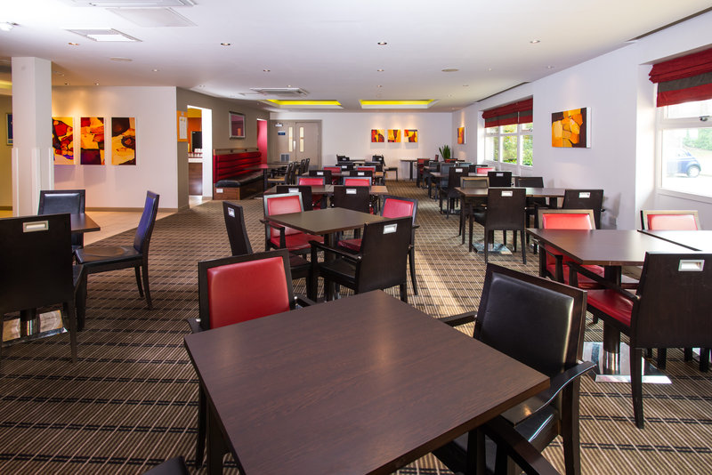 Holiday Inn Express East Midlands Airport-Surf the free Wi-Fi in our homely Great Room<br/>Image from Leonardo
