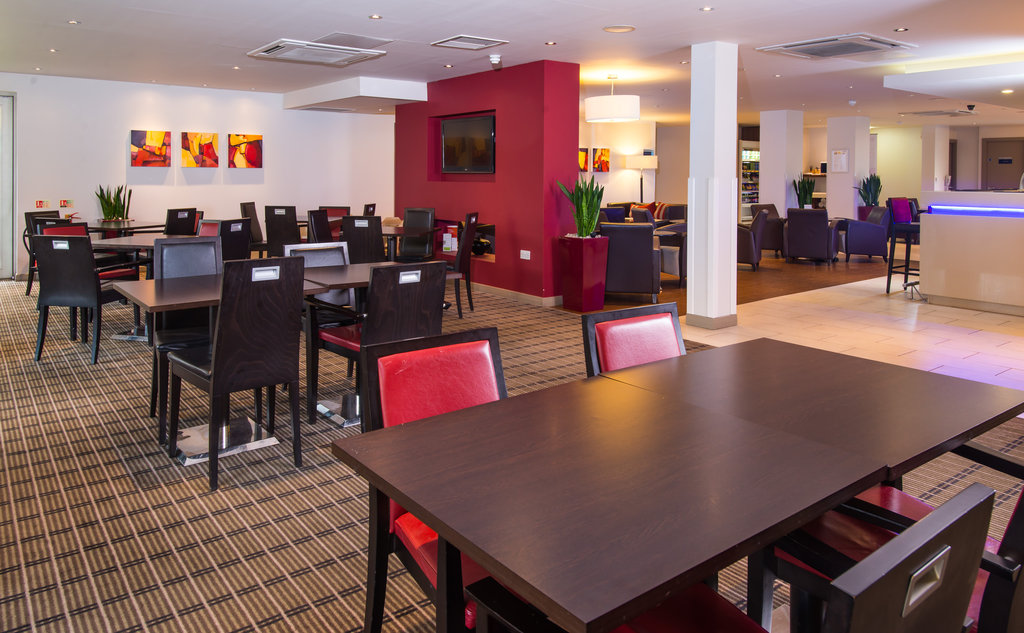 Holiday Inn Express East Midlands Airport-Relax in our modern Great Room after a busy day<br/>Image from Leonardo