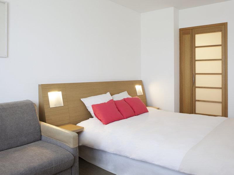 Novotel Brugge Centrum-Guest Room<br/>Image from Leonardo