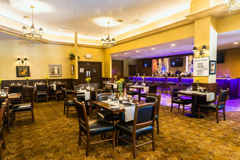 Crowne Plaza Edison-Servicing Breakfast, lunch, and Dinner<br/>Image from Leonardo