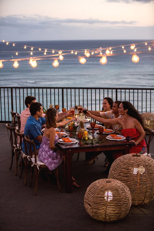 Outrigger Reef Waikiki Beach Resort - Outrigger Reef Waikiki Beach Resort Suite <br/>Image from Leonardo