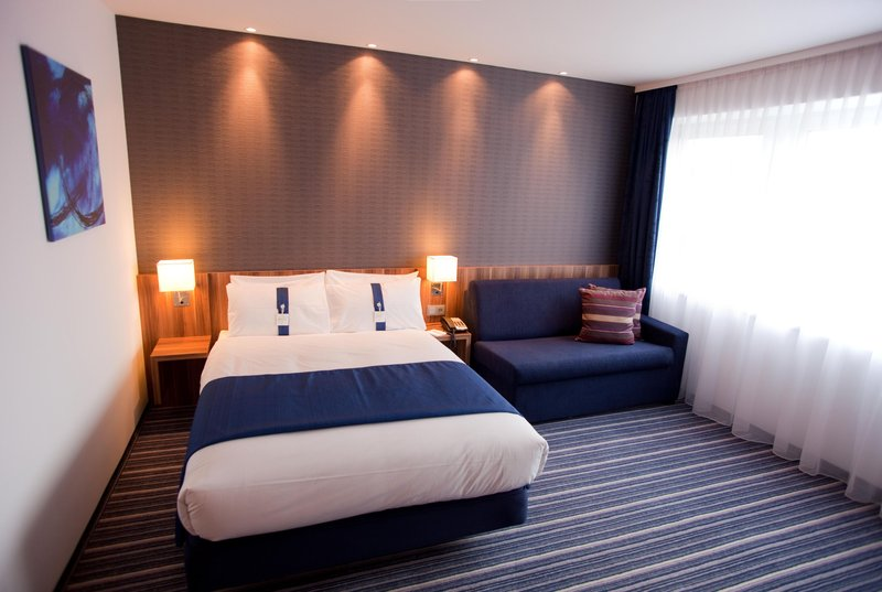 Holiday Inn Express Nuremberg City - Hauptbahnhof-Double Bed Guest Room with Sofa<br/>Image from Leonardo