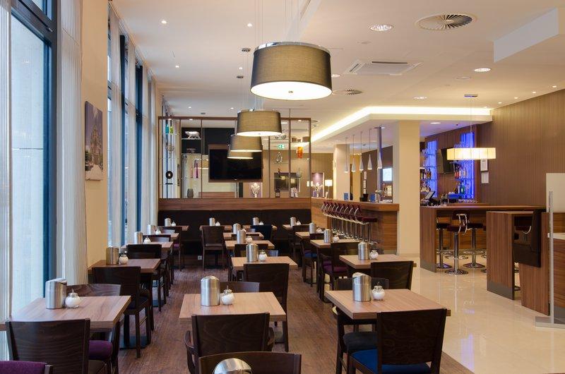 Holiday Inn Express Nuremberg City - Hauptbahnhof-Restaurant<br/>Image from Leonardo