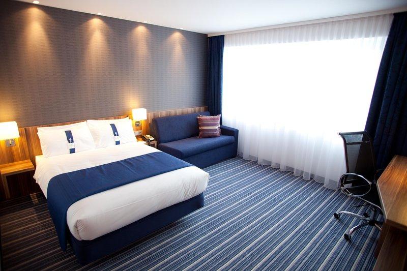 Holiday Inn Express Nuremberg City - Hauptbahnhof-Double Bed Guest Room<br/>Image from Leonardo