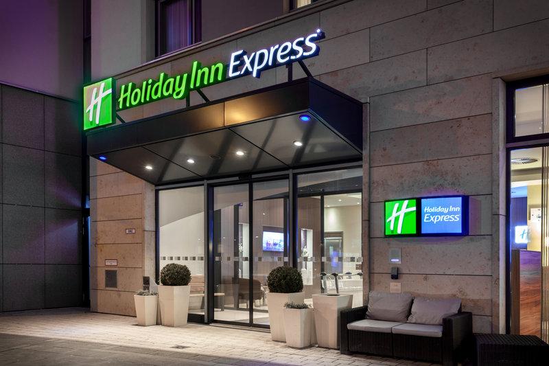 Holiday Inn Express Nuremberg City - Hauptbahnhof-Holiday Inn Express in Nuremberg, with a 24-hour bar.<br/>Image from Leonardo