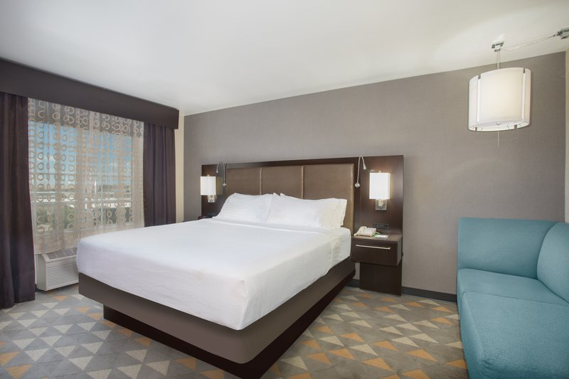 Holiday Inn Colorado Springs Airport-Colorado Springs Airport - King Hearing Accessible Room<br/>Image from Leonardo