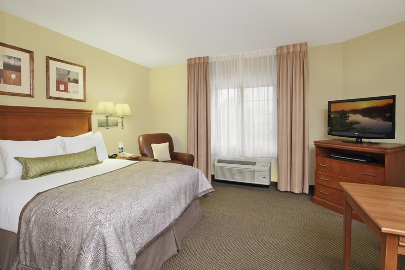Candlewood Suites Norfolk Airport-Queen Bed Guest Suite<br/>Image from Leonardo