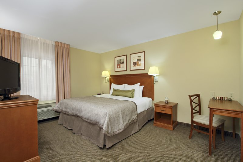 Candlewood Suites Norfolk Airport-King Bed Guest Suite<br/>Image from Leonardo