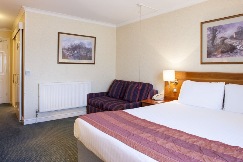 Holiday Inn Ipswich - Orwell-Standard double with sofa bed<br/>Image from Leonardo