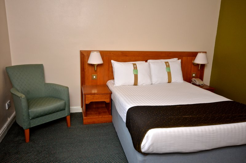 Holiday Inn Ipswich - Orwell-Double bedded room<br/>Image from Leonardo