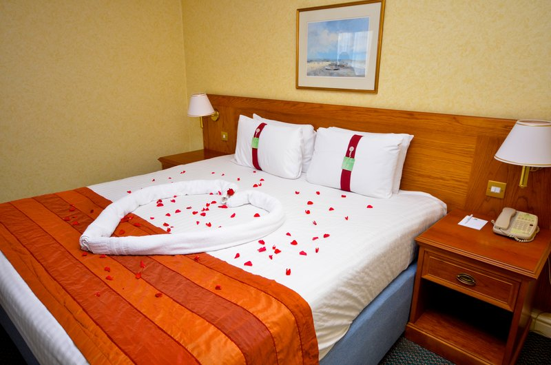 Holiday Inn Ipswich - Orwell-Well appointed rooms for that special occasion<br/>Image from Leonardo