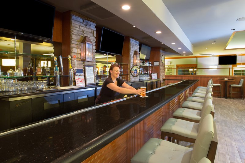 Holiday Inn Colorado Springs Airport-Bar and Lounge <br/>Image from Leonardo