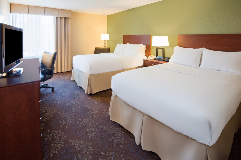 Holiday Inn Fairmont-Double Bed Guest Room<br/>Image from Leonardo