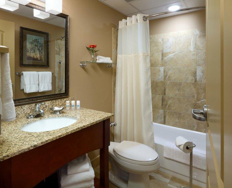 Holiday Inn Fairmont-Guest Bathroom <br/>Image from Leonardo