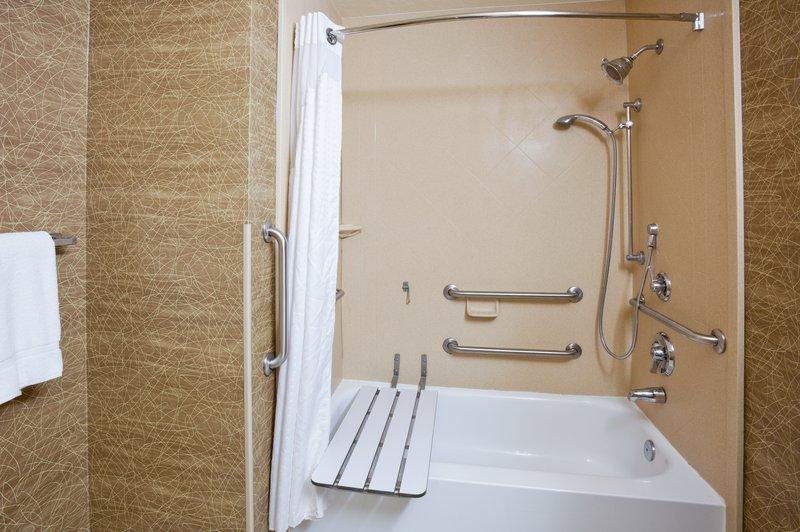 Holiday Inn Fairmont-Guest Bathroom<br/>Image from Leonardo