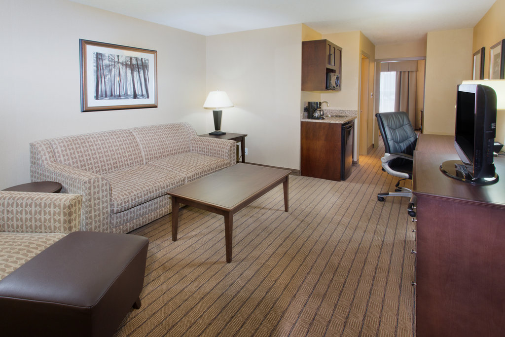 Holiday Inn Express & Suites Courtenay Comox Valley SW-King Executive Suite living area<br/>Image from Leonardo