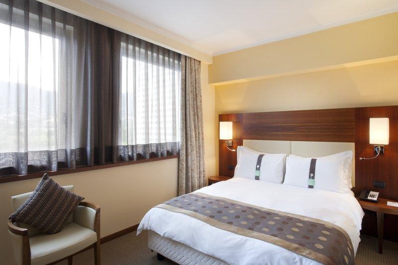 Holiday Inn Salerno - Cava de' Tirreni-King Bed Guest Room<br/>Image from Leonardo