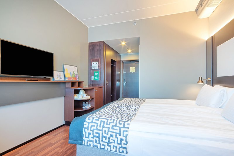 Holiday Inn Helsinki - West -Ruoholahti-New Superior King bed room with modern Nordic style<br/>Image from Leonardo
