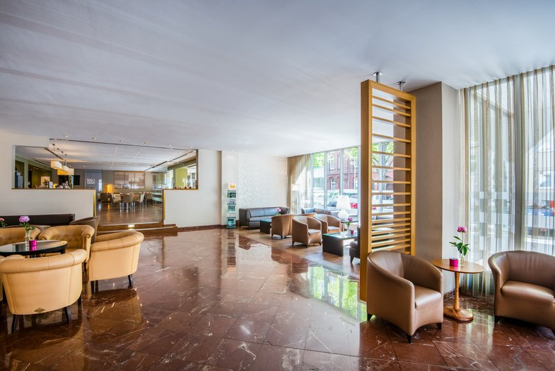 Crowne Plaza Hannover-Hotel Lobby<br/>Image from Leonardo