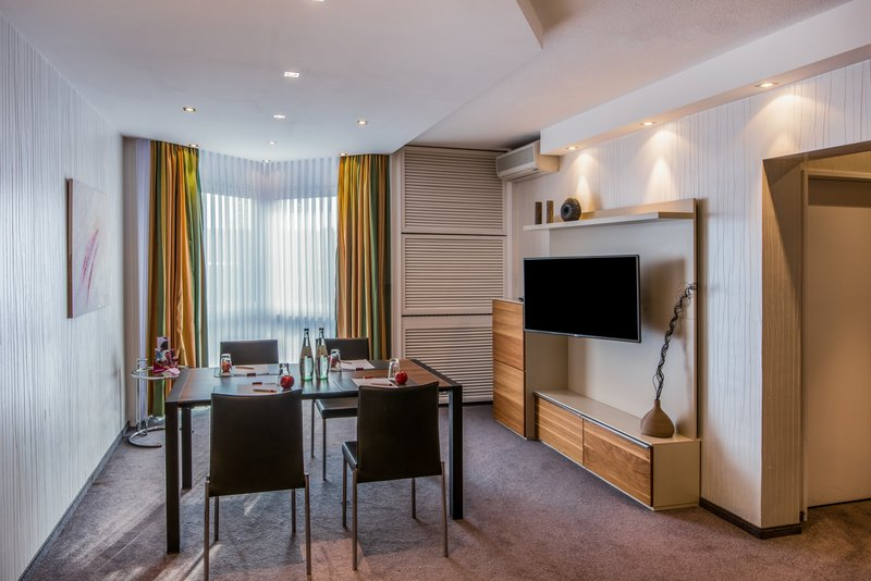 Crowne Plaza Hannover-Conference-Suite<br/>Image from Leonardo