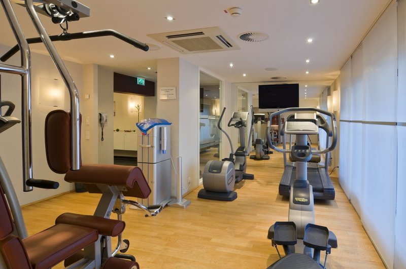 Crowne Plaza Hannover-Relax and exercise in the air-conditioned, modern fitness center<br/>Image from Leonardo