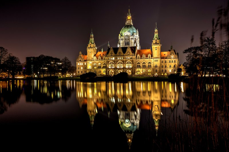 Crowne Plaza Hannover-Historic New Town Hall from 1911<br/>Image from Leonardo