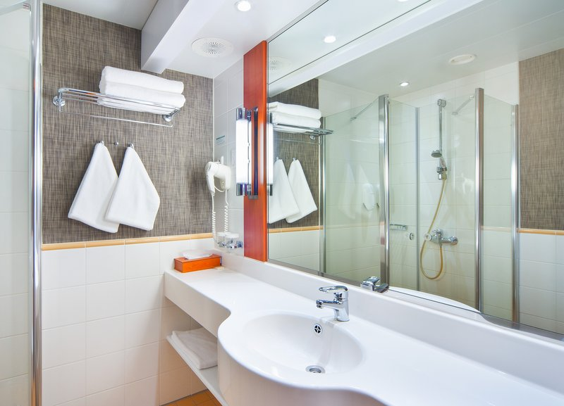 Holiday Inn Helsinki City Centre-Start your day with a power shower<br/>Image from Leonardo