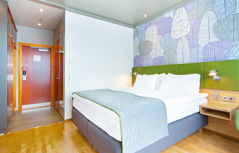 Holiday Inn Helsinki City Centre-Enjoy a cup of tea or surf in web free of charge in our guest room<br/>Image from Leonardo