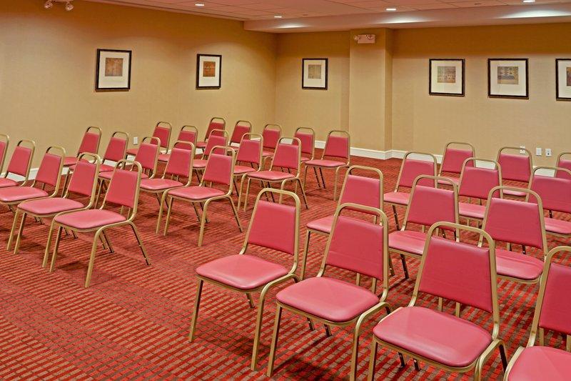Holiday Inn L.I. City-Manhattan View-Meeting Room<br/>Image from Leonardo