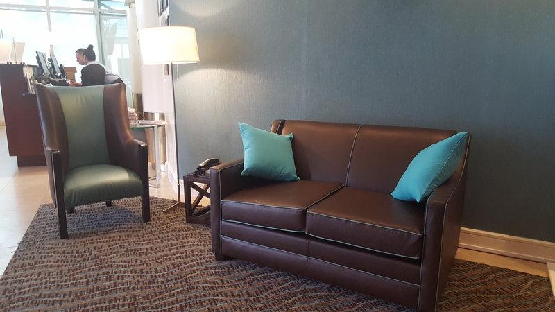 Holiday Inn L.I. City-Manhattan View-Contemporarily designed furniture.<br/>Image from Leonardo