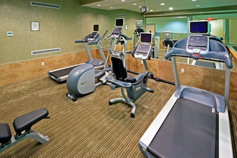 Holiday Inn L.I. City-Manhattan View-Complimentary Fitness Center is open 5:30am-11pm daily.<br/>Image from Leonardo