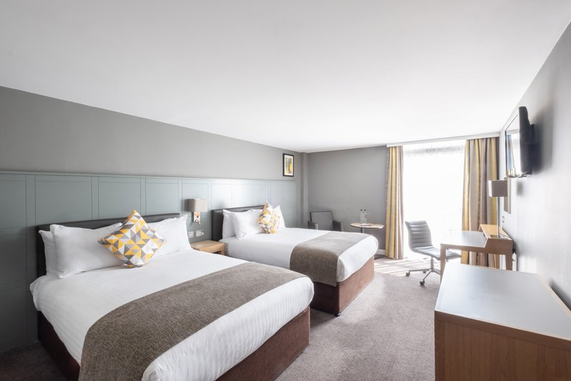 Holiday Inn Leicester-Executive Room<br/>Image from Leonardo