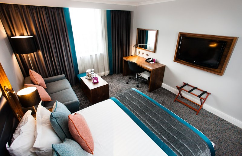 Crowne Plaza Leeds-Club Room with sofa bed<br/>Image from Leonardo