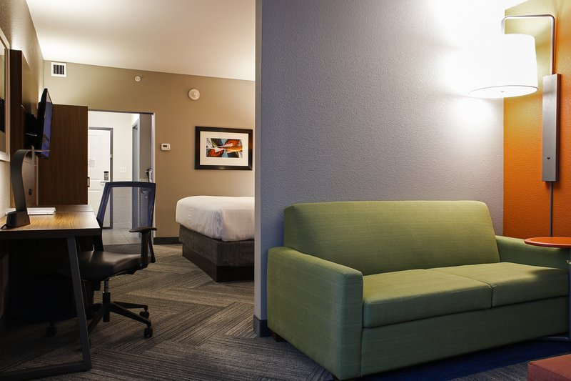 Holiday Inn Express & Suites Louisville Downtown-Near Rabbit Hole Distilling<br/>Image from Leonardo