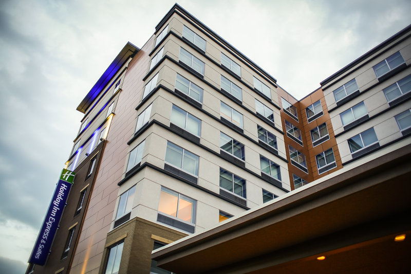Holiday Inn Express & Suites Louisville Downtown-Near United Parcel Service - UPS<br/>Image from Leonardo
