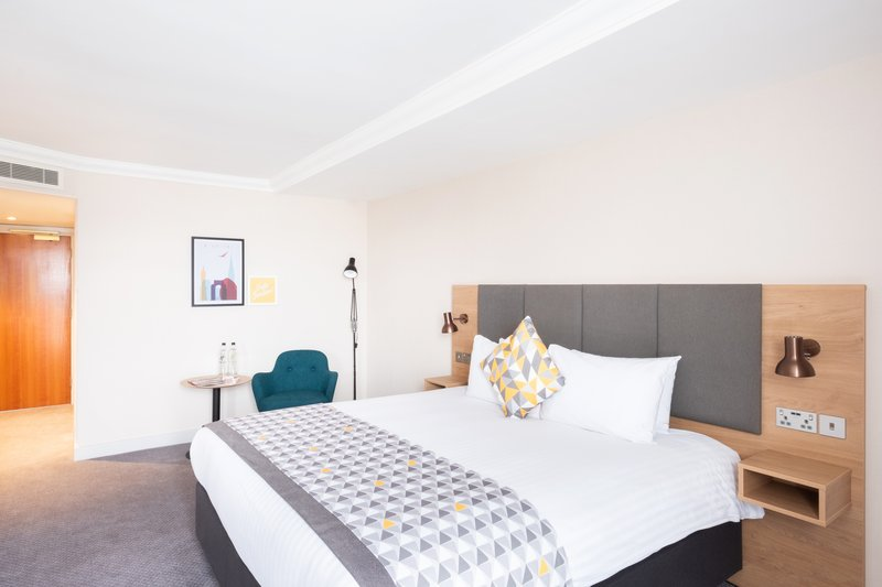 Holiday Inn Leicester-Guest Room<br/>Image from Leonardo