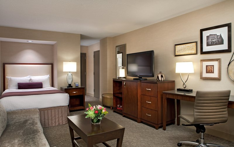 Crowne Plaza White Plains - Downtown-Junior Suite<br/>Image from Leonardo