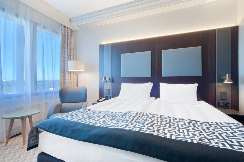 Holiday Inn Helsinki - West -Ruoholahti-What a huge bed is waiting you at our Executive room<br/>Image from Leonardo