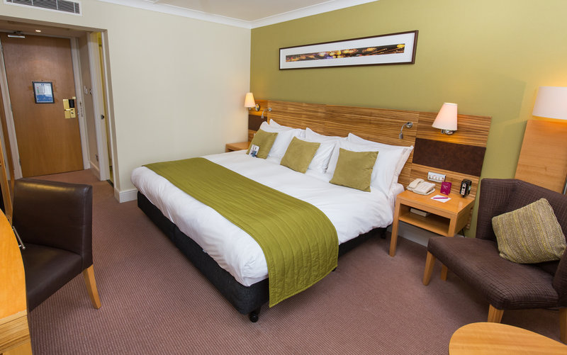 Crowne Plaza Chester-King Guest Room<br/>Image from Leonardo