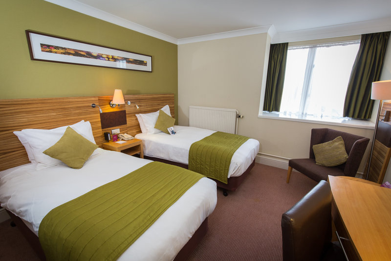 Crowne Plaza Chester-Standard Guest Room - Twin Beds<br/>Image from Leonardo