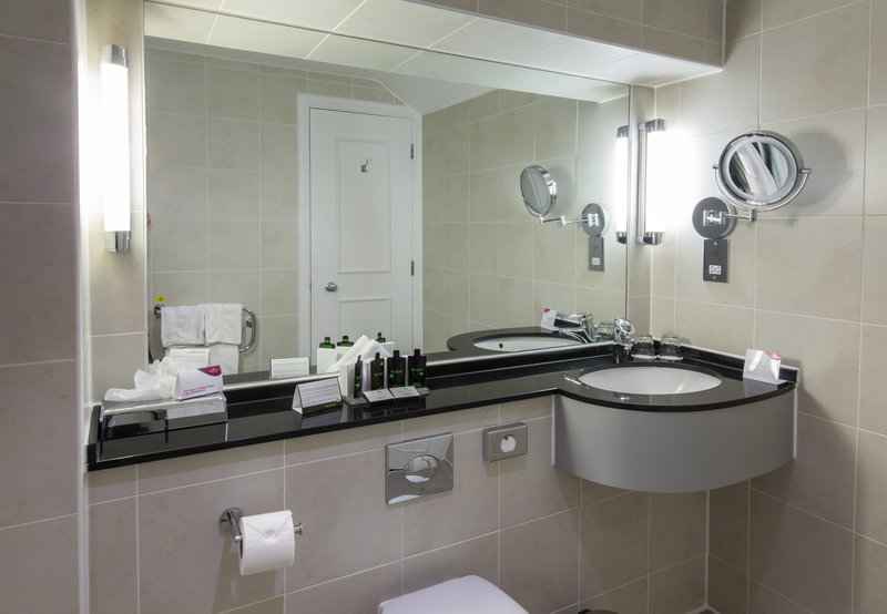 Crowne Plaza Chester-Executive Guest Bathroom<br/>Image from Leonardo