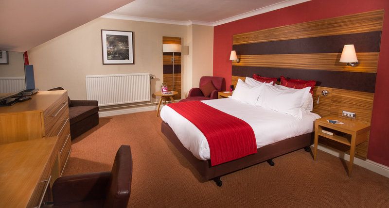 Crowne Plaza Chester-Executive Double with Sofa Chair (Family Room)<br/>Image from Leonardo