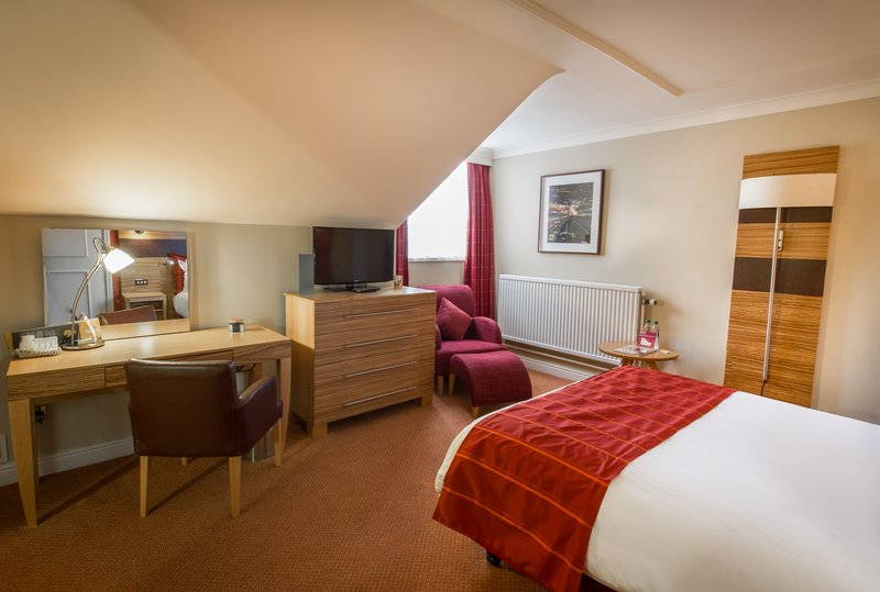 Crowne Plaza Chester-Executive Club Guest Room with Double Bed<br/>Image from Leonardo