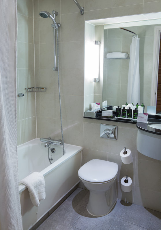 Crowne Plaza Chester-Guest Bathroom<br/>Image from Leonardo
