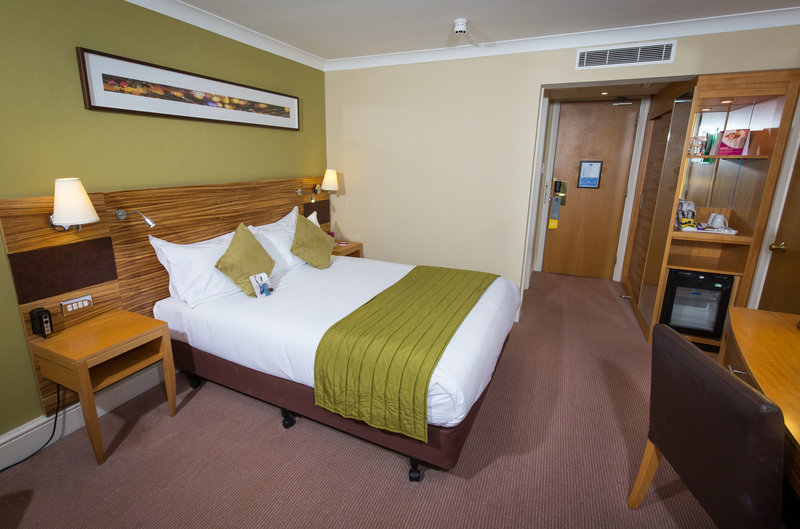 Crowne Plaza Chester-Guest Double Room<br/>Image from Leonardo