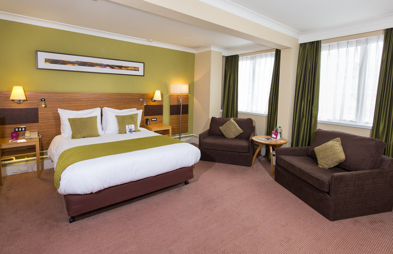 Crowne Plaza Chester-Accessible Double Room<br/>Image from Leonardo
